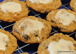 Aunt Edna's Oatmeal Raisin Cookies